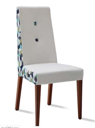 mesas y sillas tapizadas